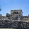 "Detalha do ""El Castillo"". Zona Arqueológica de Tulum, México"