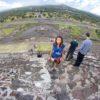 Subindo os degraus da Pirâmide do Sol. - Teotihuacan - Cidade do México